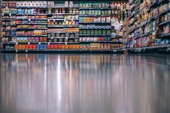Aplikowanie zabezpieczeń na etapie produkcji w handlu detalicznym