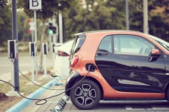 Ponad 9 tys. elektrycznych aut na drogach. Polska jednym z nielicznych krajów bez dopłat do ich zakupu