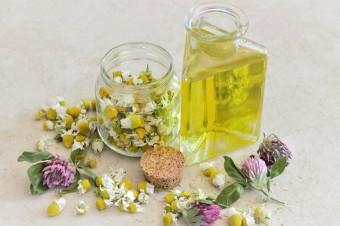 Oleje roślinne mogą mieć zbawienny wpływ na skórę problematyczną