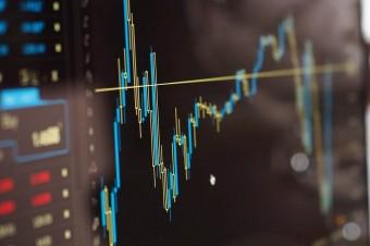 Duży spadek tempa wzrostu PKB w roku 2020, ale prawdopodobna recesja nie potrwa długo
