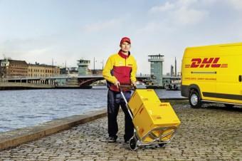 DHL Parcel Premium i płatność kartą u kuriera – nowości w ofercie DHL Parcel