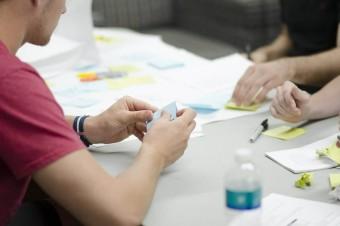 Jak przedsiębiorcy i konsumenci mogą uniknąć zawikłania się w gąszczu międzynarodowych przepisów celnych?