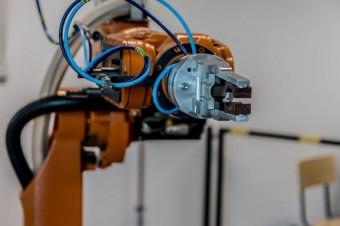 Pojawienie się koronawirusa przyspieszy automatyzację rynku pracy