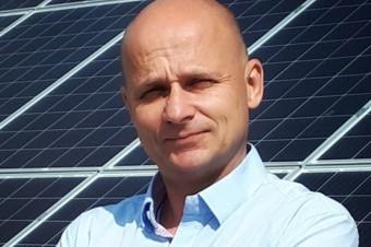 Sertop wprowadził do produkcji prądu panele fotovoltaiczne