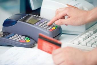 Wzrost płatności bezgotówkowych w małych sklepach
