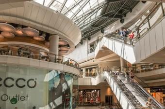 Galerie handlowe starają się na nowo przyciągnąć klientów po lockdownie
