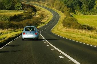 Cyfrowe prawo jazdy już od 5 grudnia. Nowe przepisy to także szereg innych ułatwień dla kierowców