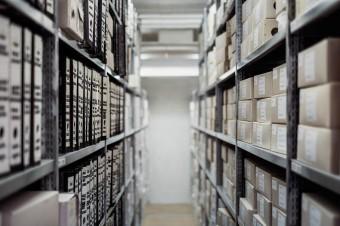 Digitalizacja dokumentów w firmie daje spore oszczędności kosztów, czasu i miejsca