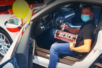 Odjechało pierwsze Porsche ze Złotej Loterii Black! Gramy dalej!