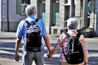 Od czwartku obowiązują godziny dla seniorów