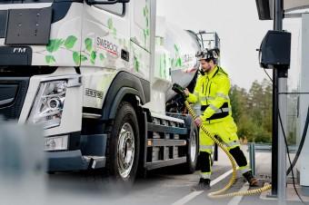 Volvo Trucks wprowadza na rynek pełną gamę elektrycznych samochodów ciężarowych