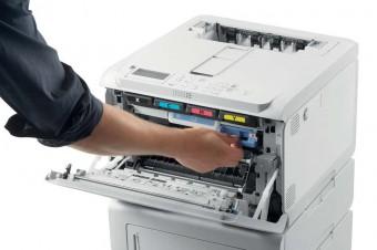 OKI dostarcza sprzedawcom detalicznym możliwości drukarni dzięki kompaktowej drukarce C650