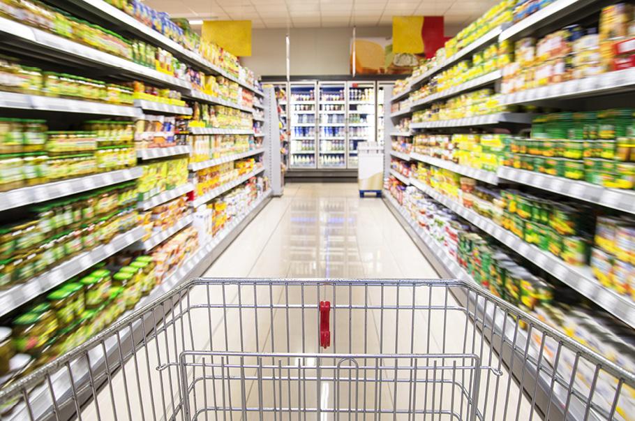 Pandemia i maseczki sprzyjają kradzieżom w sklepach