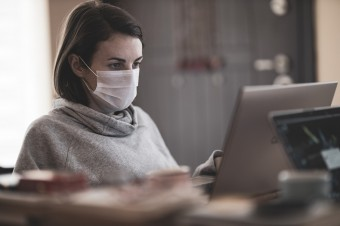 Ponad 90% firm angażuje się w walkę z pandemią