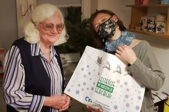 Sukces akcji #NajlepszeJestBlisko. W domach samotnych seniorów zagościła atmosfera Świąt