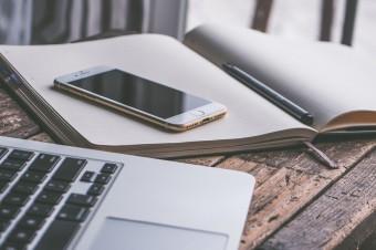 Podatek od smartfonów i laptopów pogłębi problem cyfrowego wykluczenia