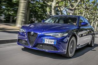 "Alfa Romeo Giulia z tytułem ""Best Car 2021"