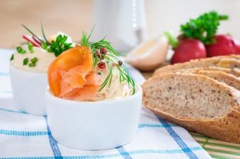 Świąteczne przepisy Sertop – pasta z łososiem i szczypiorkiem