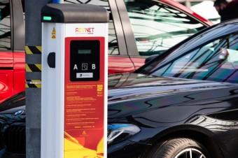 MAKRO, jako pierwsza sieć handlowa w Polsce, uruchomiła stacje ładowania samochodów elektrycznych
