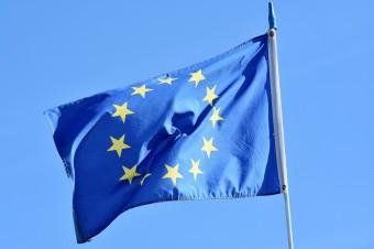 Komisja proponuje złagodzenie ograniczeń dotyczących innych niż niezbędne podróży do UE