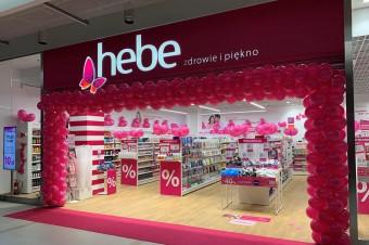 10 lat drogerii Hebe w Polsce. Z okazji okrągłych urodzin, marka organizuje atrakcyjne promocje dla swoich klientów.