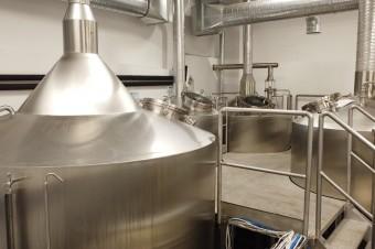 """Ktoś kiedyś powiedział """"Nawarzyłeś piwa, to teraz je musisz wypić sam"""". Historia Browaru Jastrzębie"""