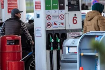 Stacje paliw odrabiają straty w ruchu po pandemii. Wizyt jest więcej o ponad 8% niż rok temu