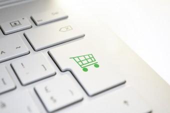 85 proc. Polaków po pandemii nie zamierza rezygnować z zakupów w internecie