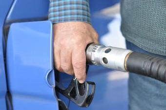 Już w 2023 roku zatankujemy paliwo częściowo wyprodukowane z recyklingu plastiku