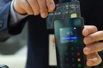 E-commerce napędza rozwój transakcji bezgotówkowych