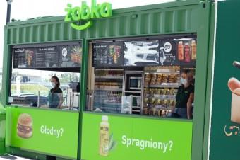 Mobilne sklepy Żabka pojawią się m.in. na targach, koncertach i festiwalach