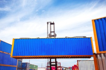 Jak przedsiębiorstwa zmieniają łańcuchy dostaw?