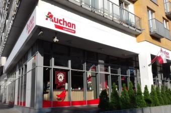 Auchan wprowadza usługi kurierskie i pocztowe