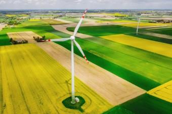Powstanie kolejnych farm wiatrowych na lądzie obniży ceny energii. Trwają prace nad ustawą przyspieszającą takie inwestycje